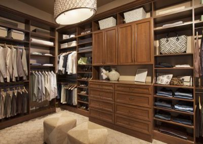 Walk In Closet - Coco Walk In Closet Crown Moulding Hutch Doors Drawers