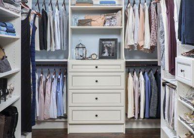 Walk In Closet - Walk In Closet Antique White Premier