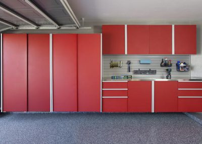 Garages - Red Garage Sliding Doors Slotwall Tools Accessories Racks